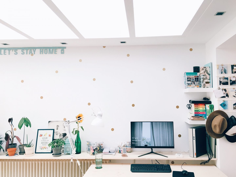 Onze nieuwe bureau'ruimte'.