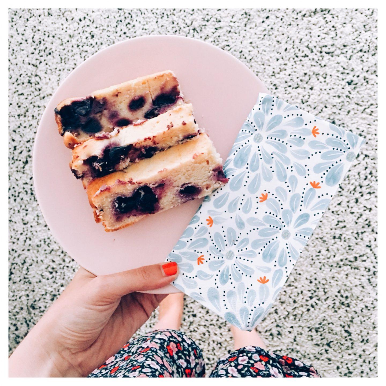 Letterlijk de beste yoghurtcake met blauwe bessen.