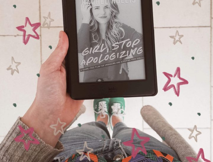 Zelfhulpboek 2 | Girl, stop apologizing van Rachel Hollis